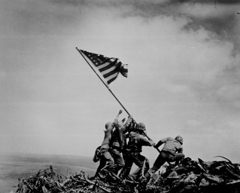 joe rosenthal raising the flag on iwo jima